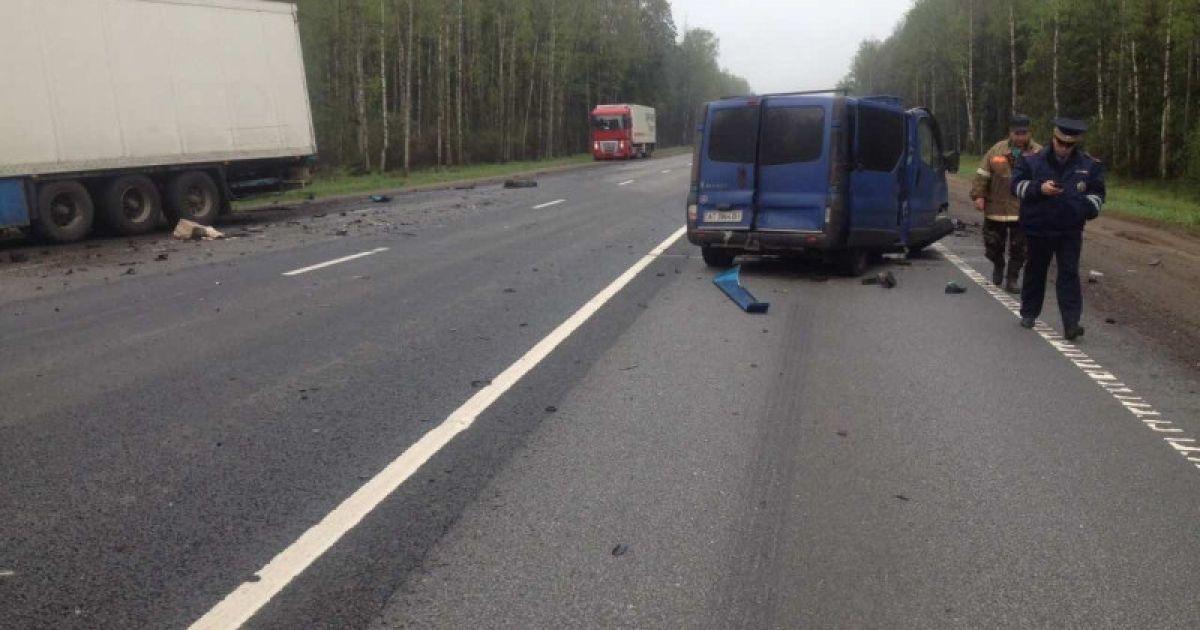 Російські силовики стверджують, що водій мінівена виїхав на зустрічну смугу @ МВД РФ