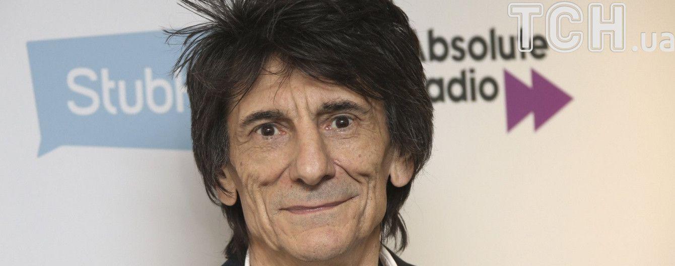 Гітариста культового The Rolling Stones Ронні Вуда терміново прооперували