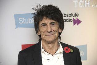 Гитариста культовой группы The Rolling Stones Ронни Вуда срочно прооперировали