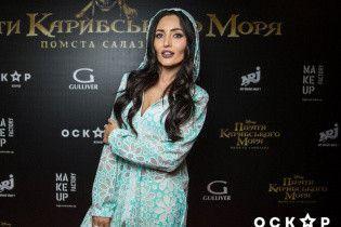 """Добрыднева в прозрачной тунике, Тарабарова в белом платье: звезды на премьере """"Пиратов Карибского моря"""""""