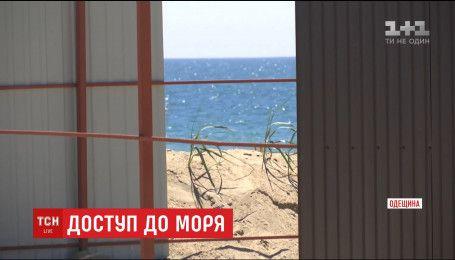 Узбережжя Одещини обростають незаконними будівлями на піску