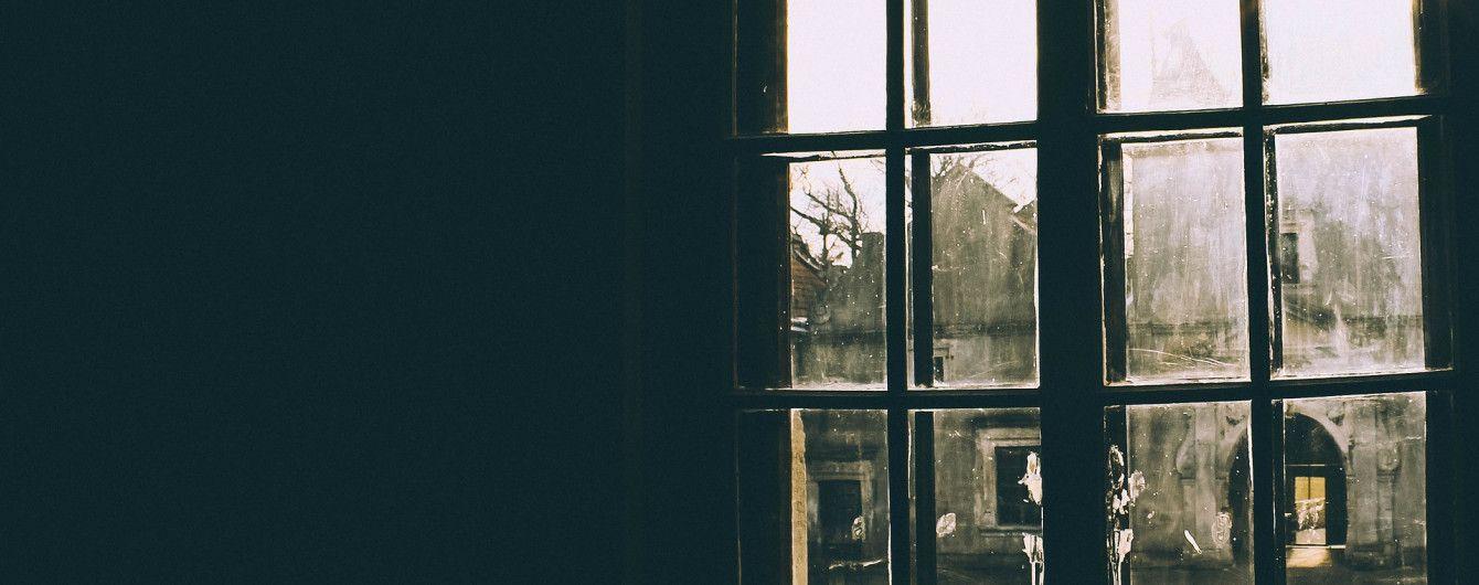 У Чернівцях з вікна багатоповерхівки випала дитина, намагаючись врятувати кота
