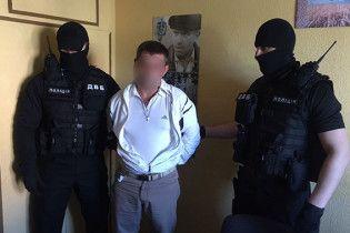 В Полтаве задержали руководителя сети аптек за попытку дать взятку в 260 тыс. грн