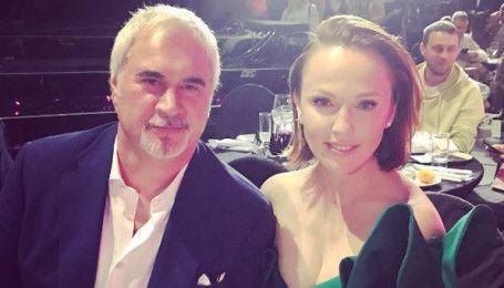 Альбіна Джанабаєва в ефектній сукні вийшла в світ з чоловіком Валерієм Меладзе