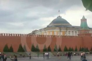 Потужний ураган в Москві зірвав дах на одному з палаців Кремля