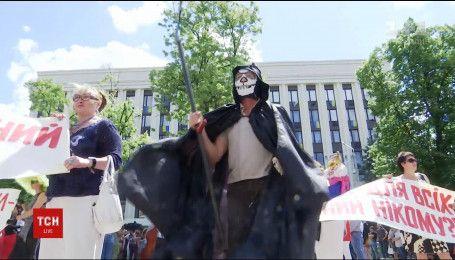 У Дніпрі актори театрів влаштували моторошну виставу чиновникам обласної ради