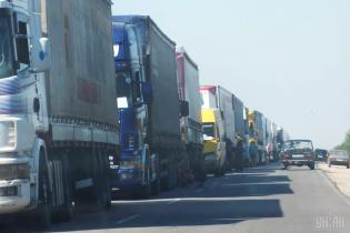 У столиці заборонили рух вантажівок у денний час
