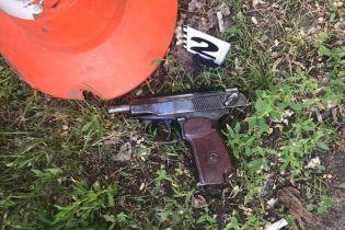 В Киеве в ботаническом саду нашли тело мужчины с простреленной головой