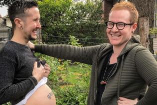 У США вагітний трансгендер і його чоловік чекають на первістка