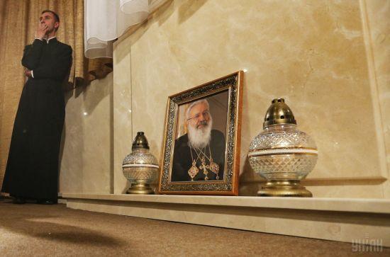 У Києві перейменували проспект на честь Любомира Гузара