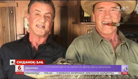 Сильвестр Сталлоне выложил в соцсеть фотографию с Арнольдом Шварценеггером и крокодилом
