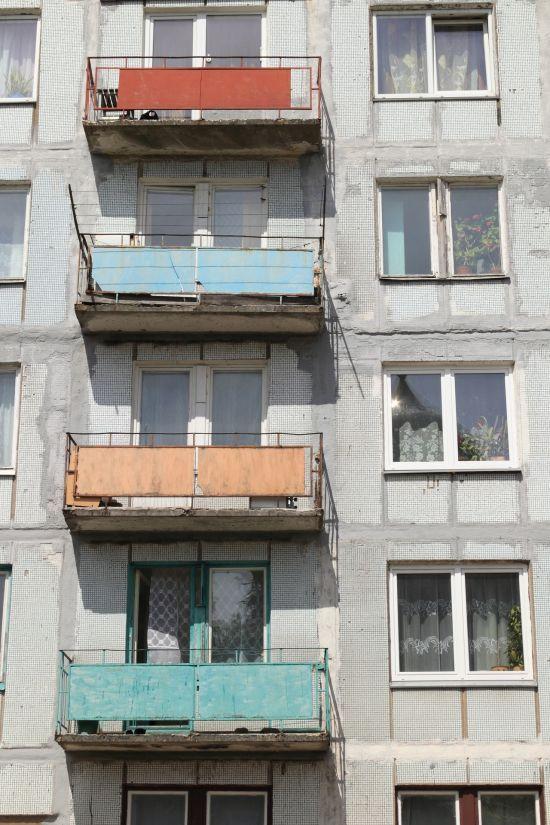 На Одещині працівники ДСНС врятували жінку, яка випала з дев'ятого поверху і зачепилася за балкон шостого