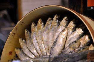 Ботулізм атакує: у Харкові чоловік на смерть отруївся рибою