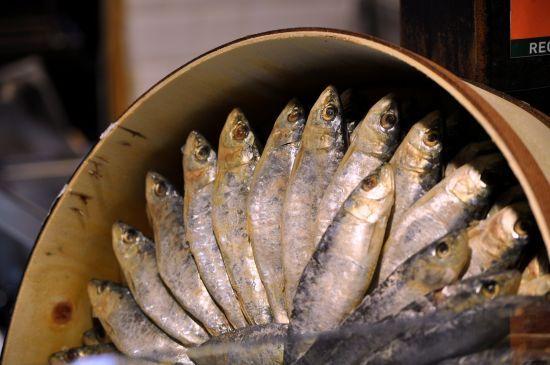 У Дніпропетровській області чоловік помер від ботулізму: з'їв засолену місяць тому рибу