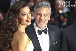 Отец Джорджа Клуни поделился подробностями знакомства сына с Амаль