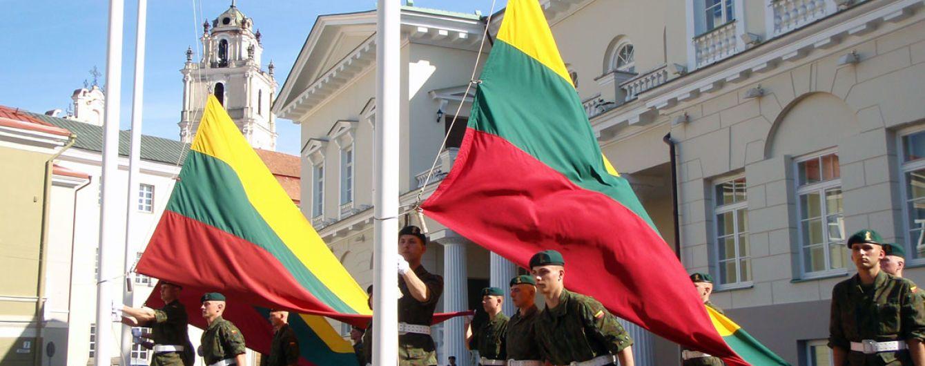 Литва подписала соглашение на покупку 200 американских бронеавтомобилей