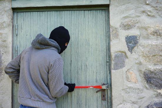 У Києві чоловік за рік пограбував 14 шкіл та дитсадків