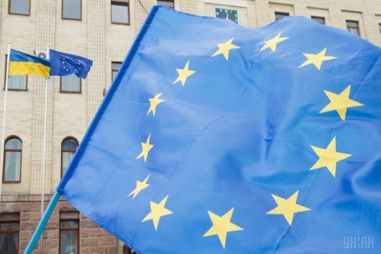 """Євросоюз подовжив """"кримські"""" санкції проти Росії на рік"""