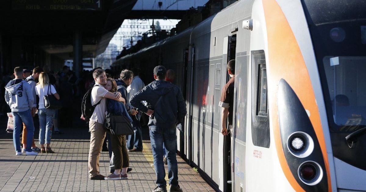 """""""Укрзализныця"""" анонсировала значительное снижение стоимости билетов до Варшавы"""