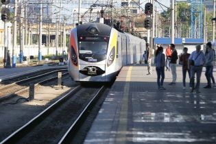 После праздников Укрзализныця назначила дополнительные рейсы из Киева во Львов и Запорожье