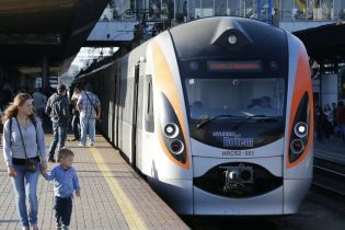 """""""Укрзалізниця"""" заявила про зростання попиту на подорожі поїздами до ЄС"""