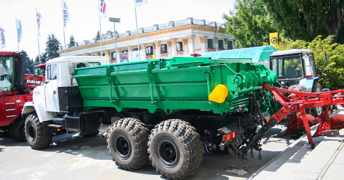 КрАЗ построил автотрактор