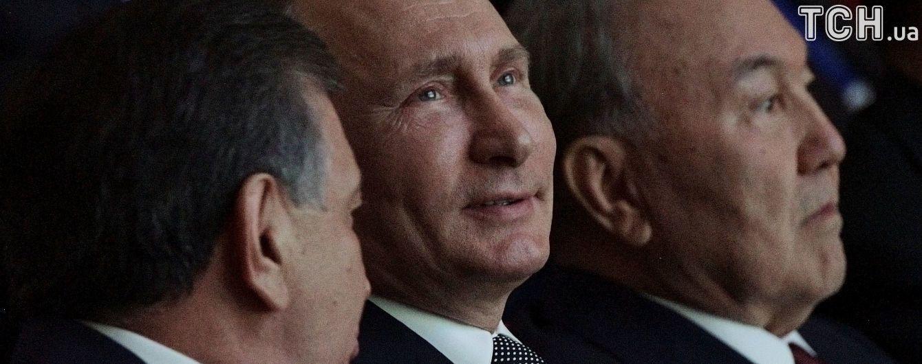 """Путин в разговоре со Стоуном назвал украинцев и россиян """"практически одним и тем же"""""""