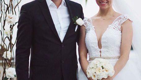 Смелое декольте, звездные друзья и первый танец: появились новые снимки со свадьбы Арсена Мирзояна и Тони Матвиенко