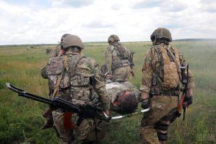 Раненый украинский военный и обстрел Приморского направления. Дайджест АТО
