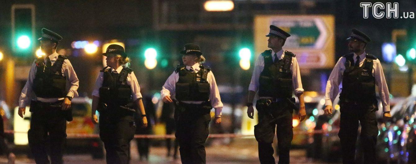 Из-за наезда фургона возле лондонской мечети погиб один человек