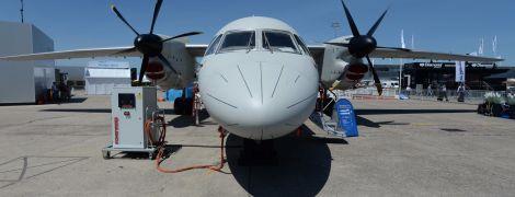 Ан-132 зачарував крутими віражами глядачів авіа-шоу в Індії