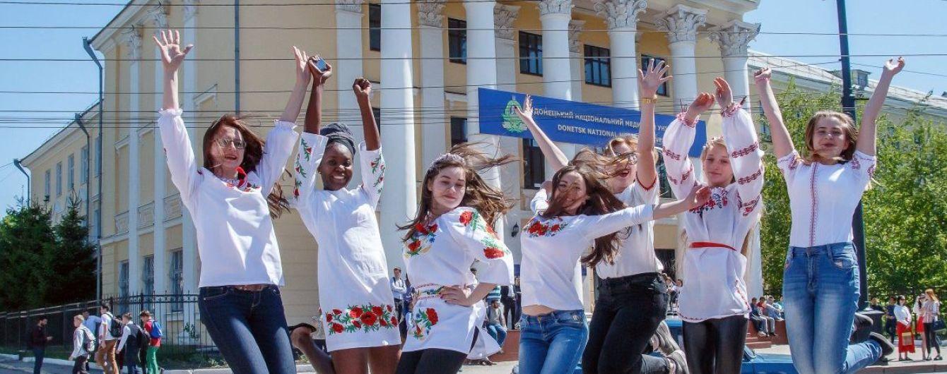 Абітурієнти Донбасу та Криму відтепер можуть вступати до вишів без ЗНО, перелік університетів