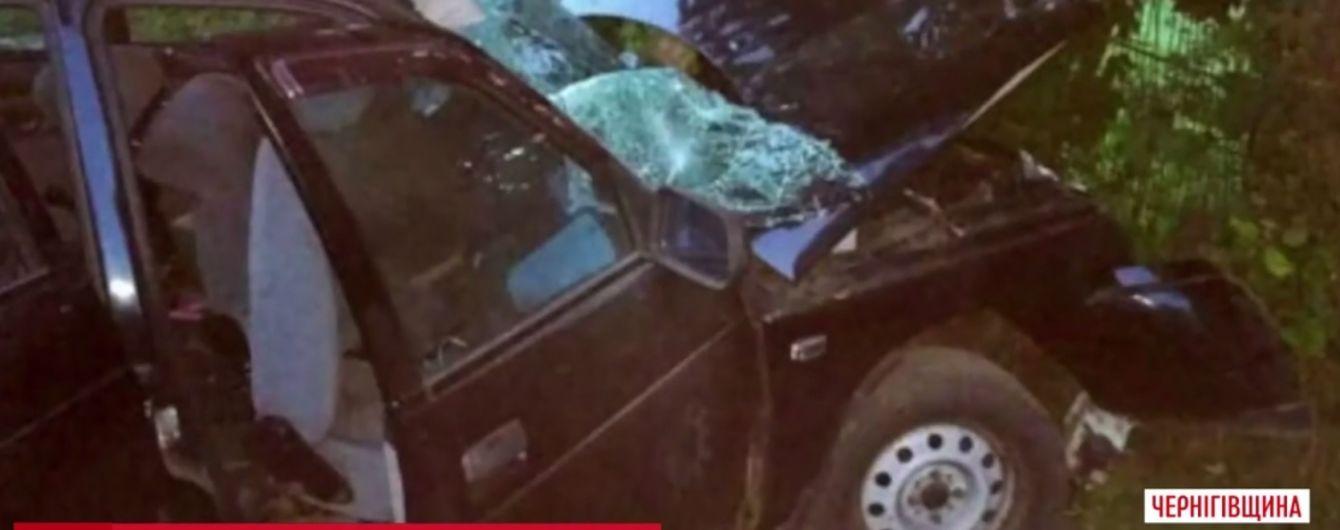 Смертельное ДТП на Черниговщине: 9 подростков в одной машине вылетели с дороги