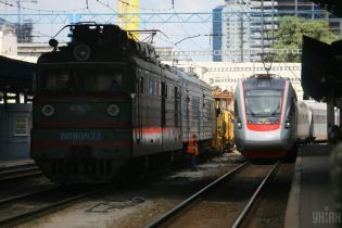 В полиции отчитались о поисках бомбы на железнодорожном вокзале Киева