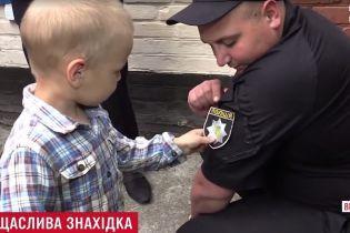 """Трирічний """"грибник"""" поставив на вуха кількасот поліцейських на Вінниччині"""
