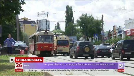 Українці потерпають від задухи та неприємних запахів у громадському транспорті