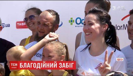 Участники международного полумарафона помогли собрать деньги на протез для Николая Полторака