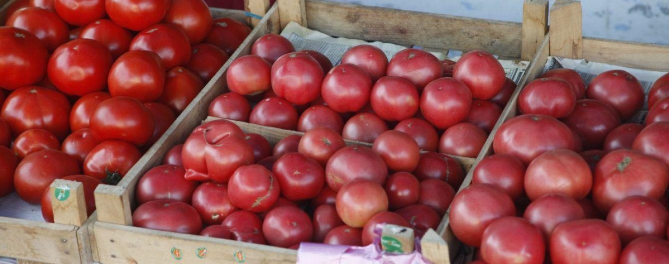 М'ясо по 19 гривень і помідори по 10: чим Україна торгує з окупованим Донбасом