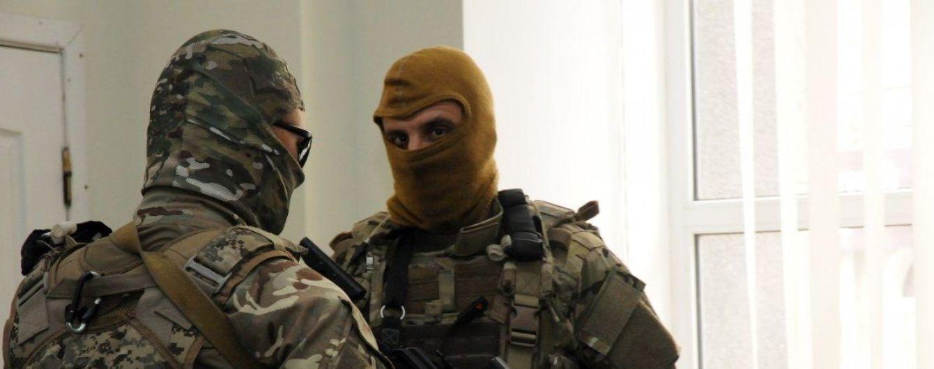 СБУ проводит свыше 25 обысков у подозреваемых в проведении антиукраинских акций
