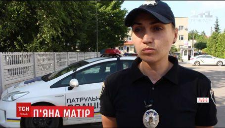 Во Львове правоохранители госпитализировали пьяную 28-летнюю женщину и забрали в приют ее дочь