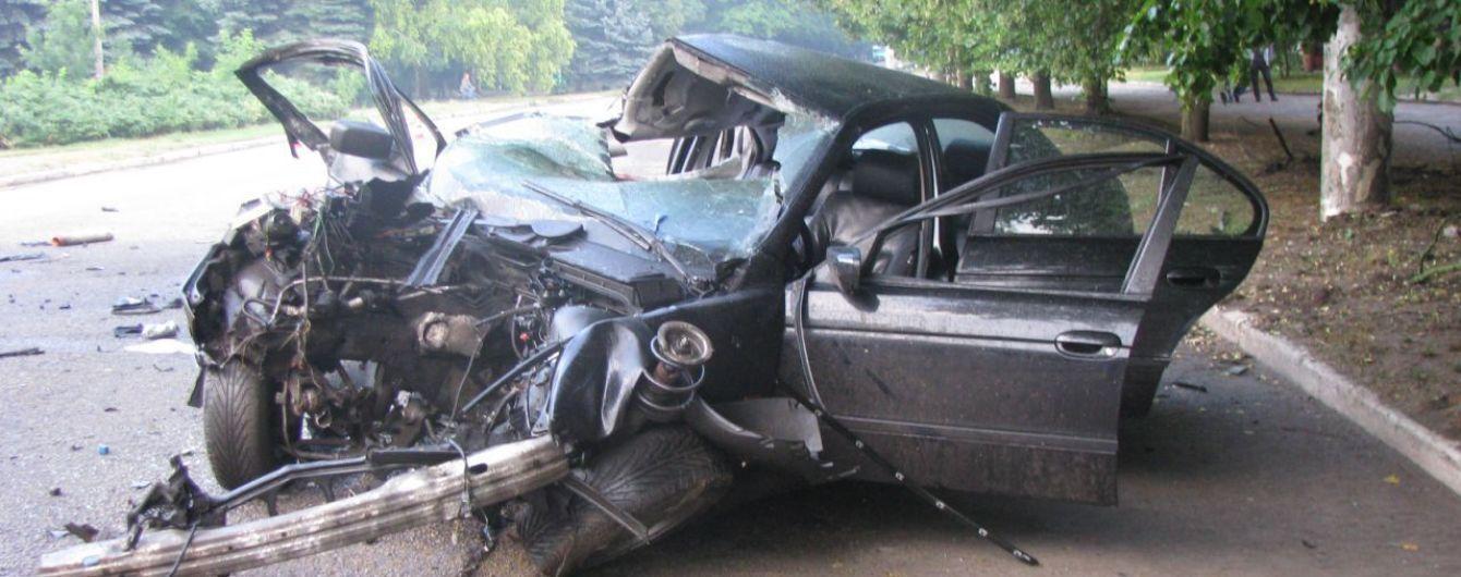 """""""Гарна дівчинка була, пробивна"""": в Ізюмі поховали загиблу в прямому ефірі соцмереж водійку BMW"""