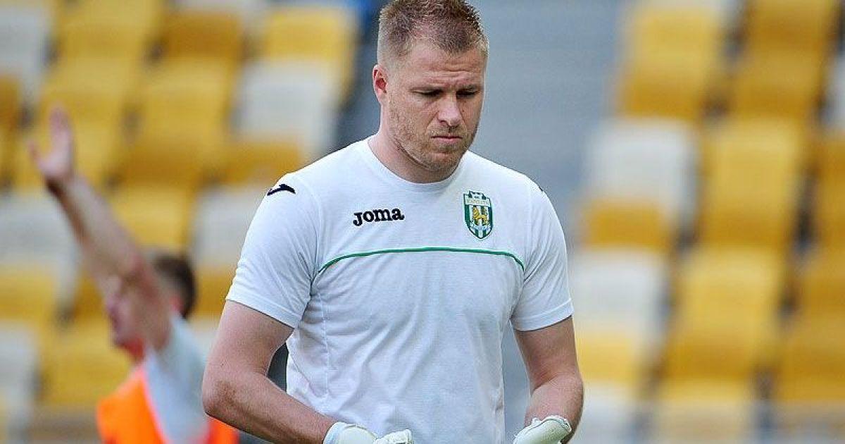"""Новий тренер """"Карпат"""" відіслав у дубль чотирьох футболістів"""