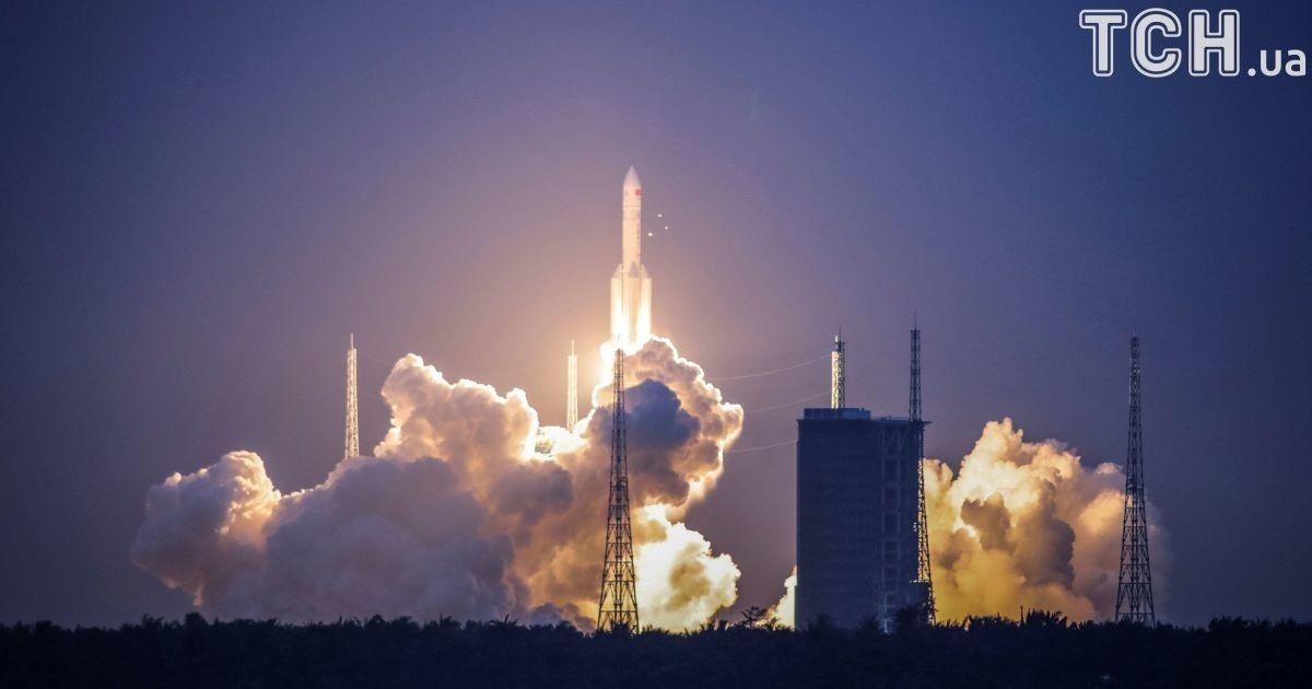 © Reuters Ракета мала доставити на орбіту експериментальний супутник