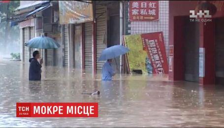 П'ятнадцятеро людей стали жертвами масштабної повені у Китаї
