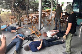 В Николаеве задержали банду вооруженных вымогателей