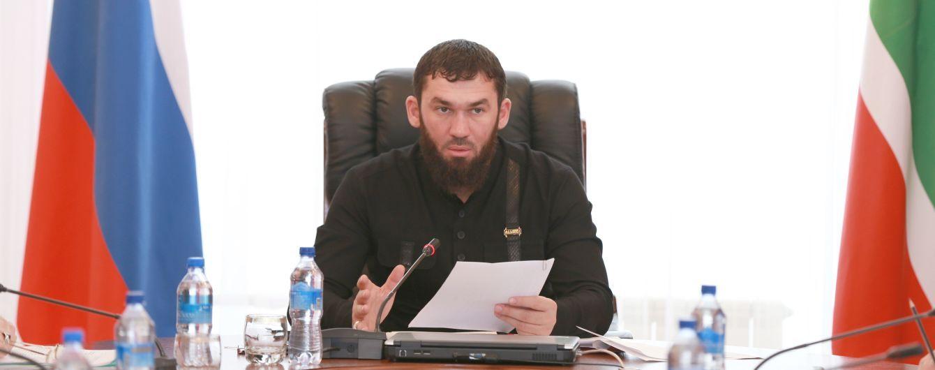 """Спикер парламента Чечни пригрозил руководителю """"Сбербанка"""" и требовал $ 500 тысяч - СМИ"""