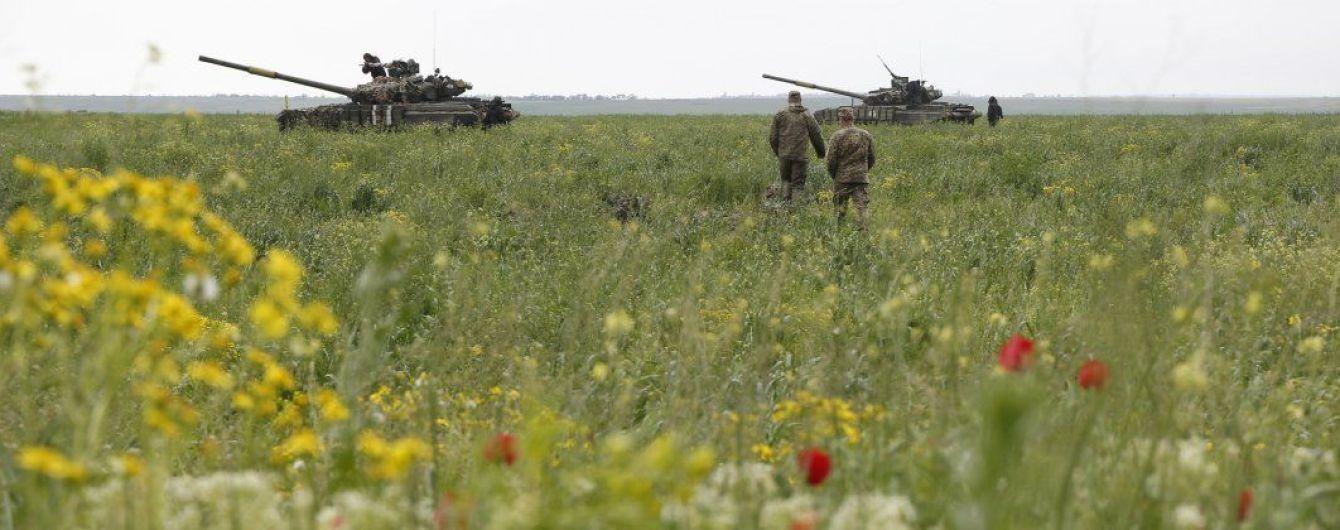 Бойовики обстріляли Красногорівку та Новгородське: п'ятеро українських військових загинули