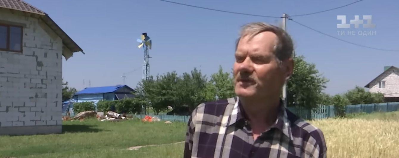 Мужчина из Ровенщины устроил дома мини-электростанцию, которая работает на энергии ветра и солнца