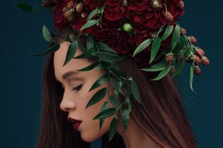 В красивом венке и с обнаженными плечами: Мария Яремчук в новом фотосете