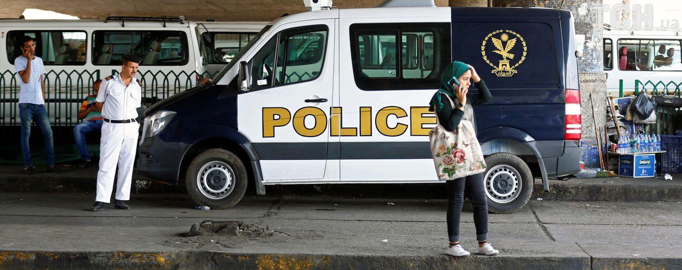Унаслідок вибуху неподалік від аеропорту Каїра постраждали 12 осіб